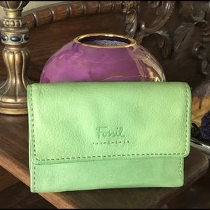 FOSSIL Apple green leather wallet